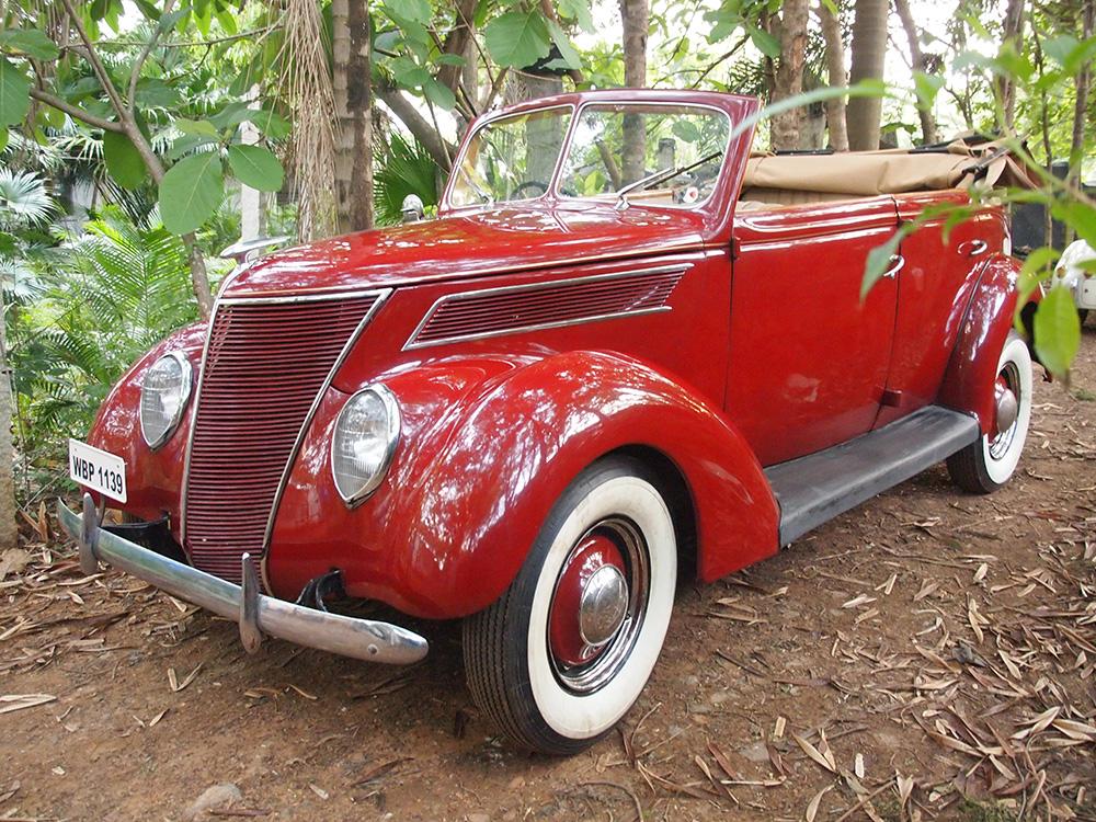 1939-Ford-V8Rs.-30,000