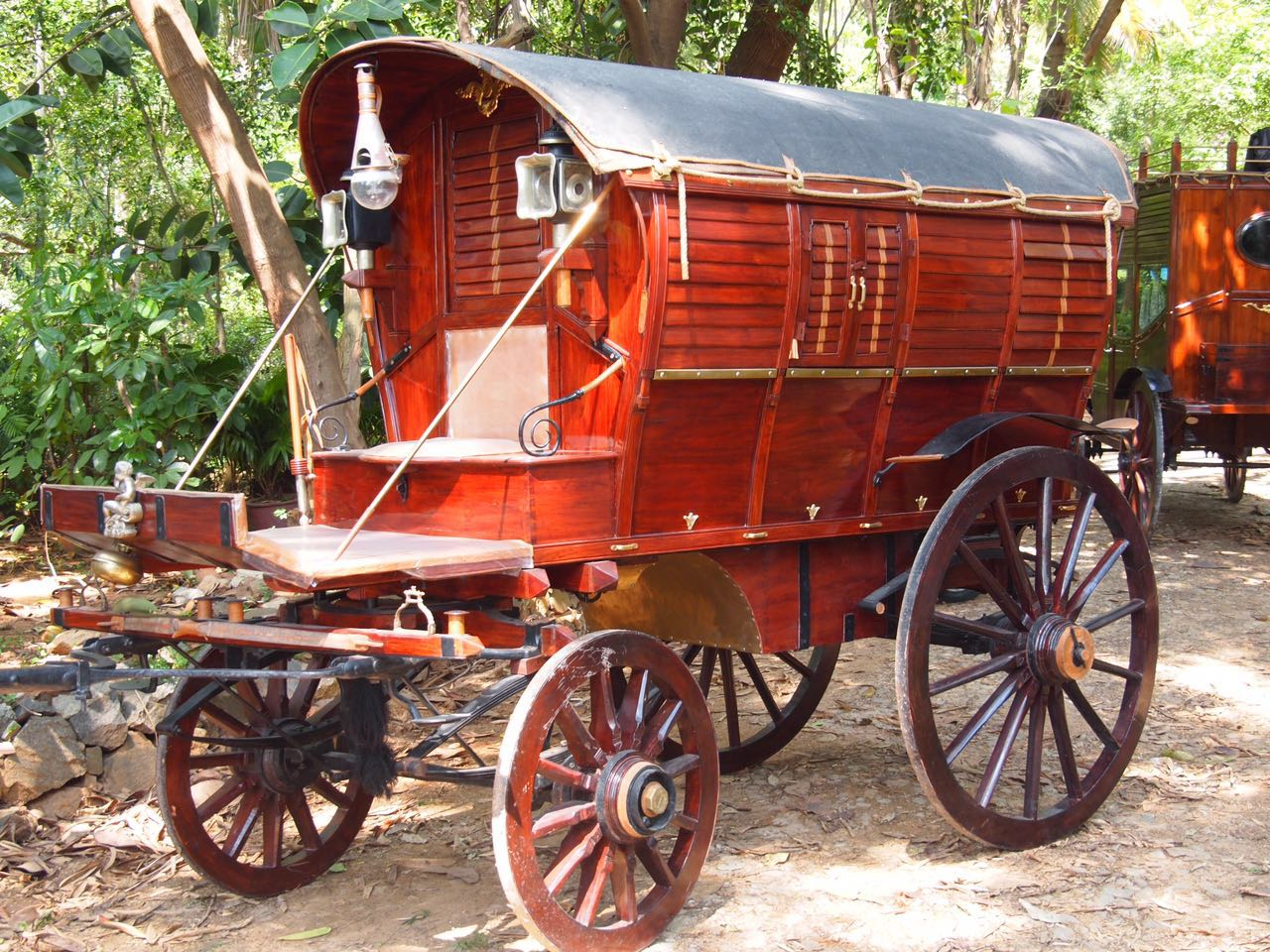 1800s Horse Carriage - Classic Chase | Vintage Cars in Bangalore